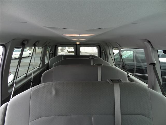10 Passenger Van >> 15 Passenger Van E350