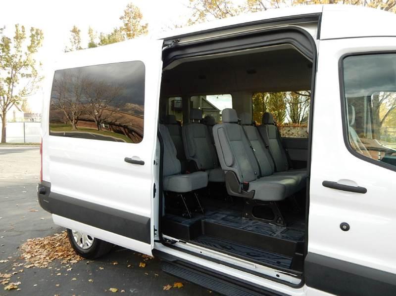 Ford Transit Wagon >> HighRoof 15-Pass Transit Extra Cargo